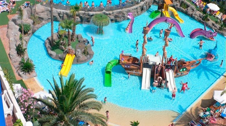hoteles con toboganes en benalmadena costa del sol