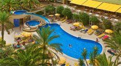 Hoteles con toboganes en alicante hotelescontoboganes for Hoteles en benidorm con piscina climatizada