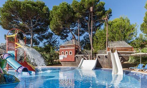 Hoteles con toboganes en can picafort hoteles con parque for Hoteles familiares mediterraneo